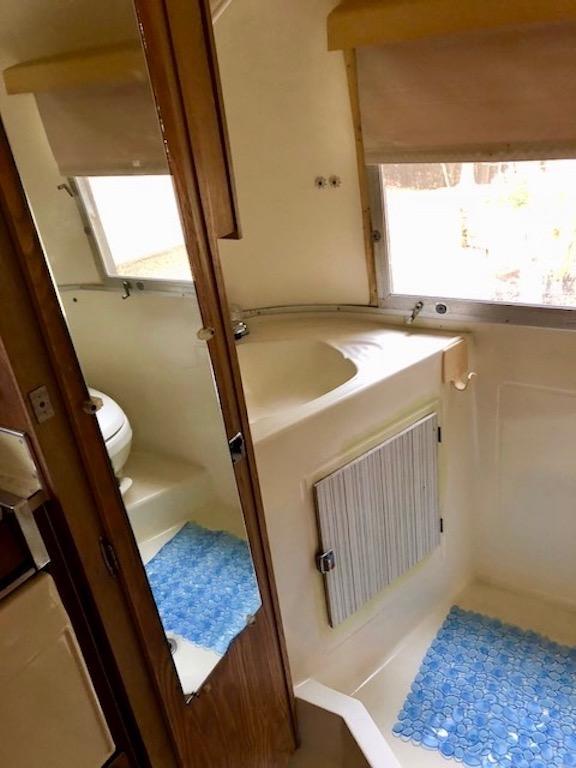 Bathroom Sink 11