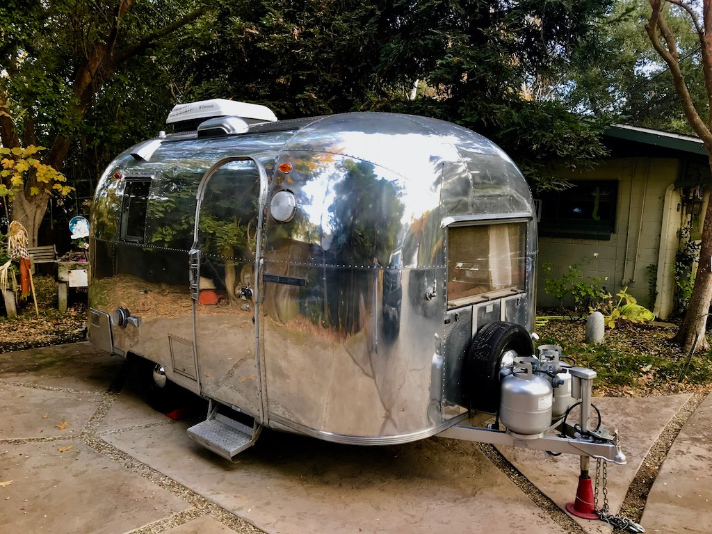 larry garrison airstream vintage trailers. Black Bedroom Furniture Sets. Home Design Ideas